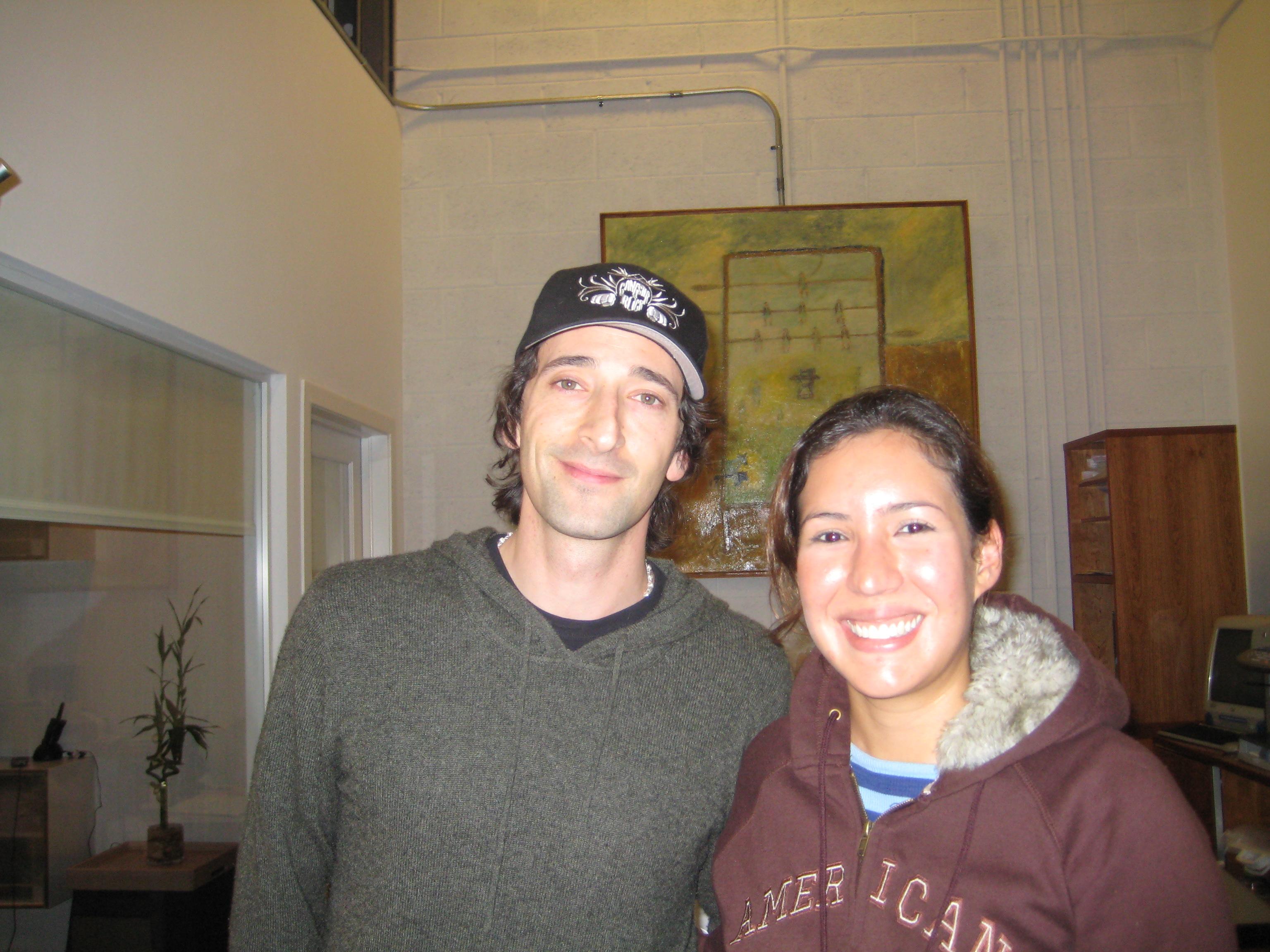 Adrien Brody,Academy Award Winner, produciendo enUpstairs.